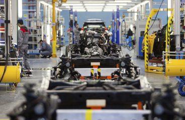 Produção de caminhões cresce 33,9%